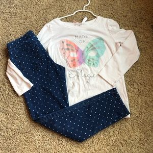 Girls butterfly top and leggings outfit.